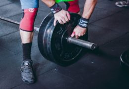 Brzuszki – co powinieneś wiedzieć na temat popularnego ćwiczenia?