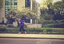 Monitorowanie ćwiczeń fizycznych za pomocą aplikacji na smartfony